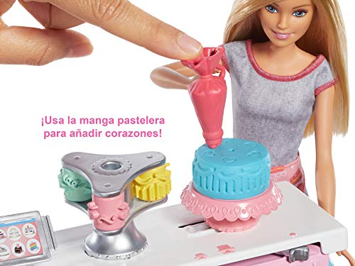 Barbie y su pastelería, muñeca con cocina y accesorios, regalo para niñas y niños 3-9 años (Mattel GFP59)