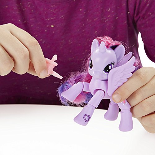 My Little Pony Friendship is Magic Princess Twilight Sparkle Reading Cafe Figure by My Little Pony